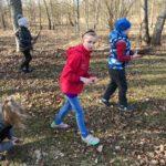 Pavasara talkā skolēni sakopa skolas teritoriju