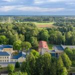 """Skates """"Gada labākā būve Latvijā 2020"""" žūrija apmeklēs Alojas Ausekļa vidusskolu"""
